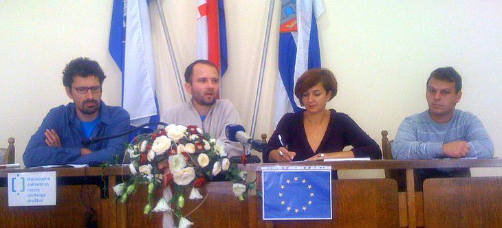 "Daniel Rodik (DOOR), Kruno Kartus (Press centar za okoliš), Atana Grbić (""Eko-Zadar""), Ivan Padežanin (Zvono uz Kupu)"