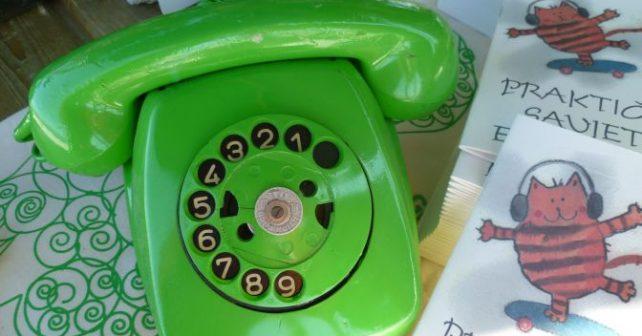 zeleni telefon foto naslovna